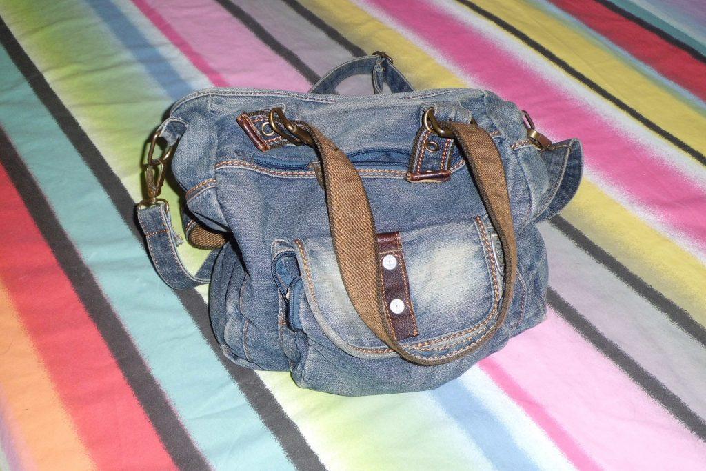 handbag-494600_1920